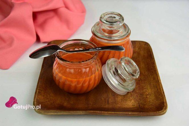 sos pomidorowy z pieczoną papryką