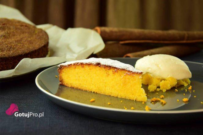 Bezglutenowe ciasto pomarańczowe z polenty
