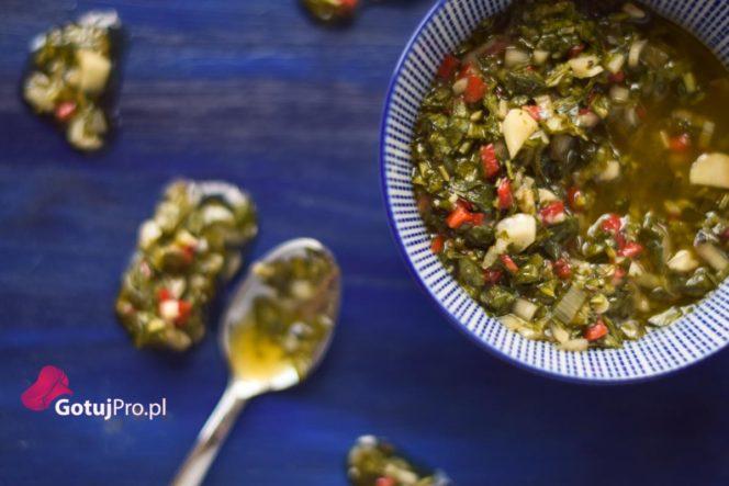 Sos Chimichurri to południowoamerykański sos ziołowy, który cieszy się coraz większą popularnością w polskich restauracjach oraz domach! Sprawdź go!